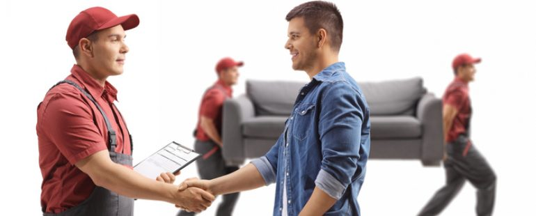 What are the Advantages of Using a Local Moving Crew as Opposed to a National Chain?